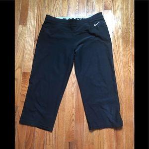 Nike black cropped leggings